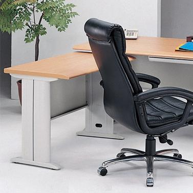 傳統辦公桌